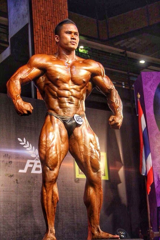 thai bodybuilder